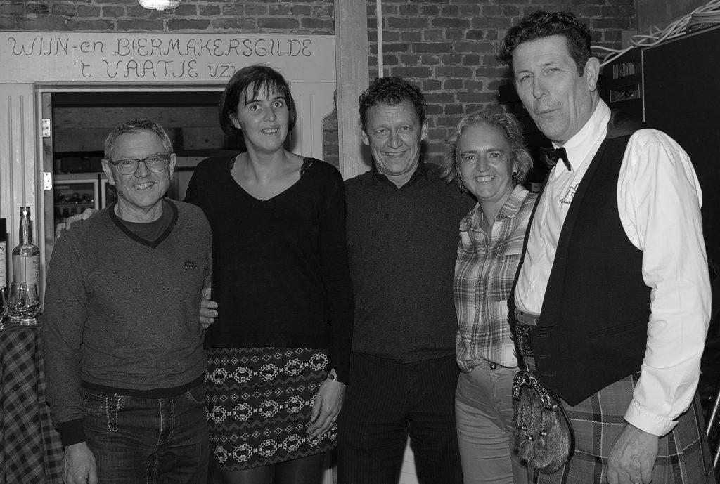Frans DB, Sabine, Benny, Katrien en rechts Pros